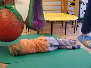 Sensomotorisk stimulering via anpassade lek- och fritidsaktiviteter är en uppskattad aktivitet av barn och unga