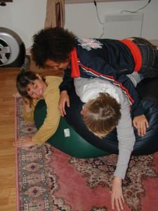 Anpassade lek- och fritidsaktiviteter ger barnet möjligheter till positiv utveckling av beteenden - både fysiskt och psykiskt